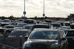 Au sol payé de stationnement d'aéroport de Copenhague Photographie stock libre de droits