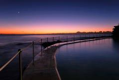 Aube à Bronte - plage de Sydney Photos stock