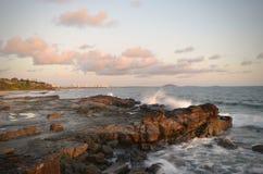 Aube à la côte de soleil Photographie stock libre de droits