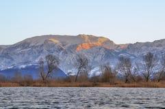 Aube après des chutes de neige sur Monte Guglielmo Image libre de droits