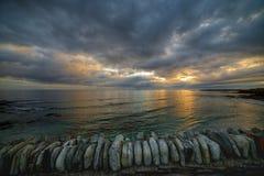 Aube au-dessus de la mer cantabre Photos libres de droits