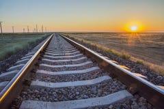 Aube au-dessus du chemin de fer Photographie stock libre de droits