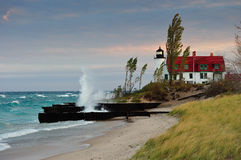 Aube au phare de Betsie de point, Michigan Etats-Unis Images stock