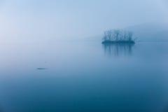 Aube bleue, île de Han River Images stock