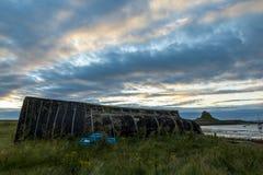 Aube, château de Lindisfarne Île sainte images libres de droits