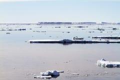Aube dans le son antarctique Image libre de droits
