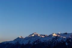 Aube dans les montagnes Images stock