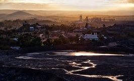 Aube en colline cassée, Australie Image stock