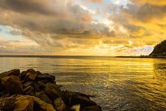 Aube en mer Photographie stock libre de droits