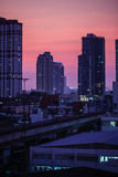 Aube sur la verticale de Bangkok Image stock