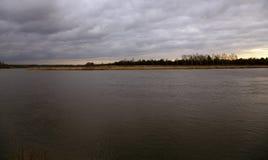 Aube sur le lac Images libres de droits