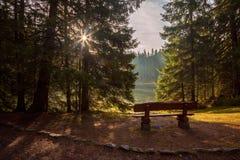 Aube sur le lac Photographie stock libre de droits