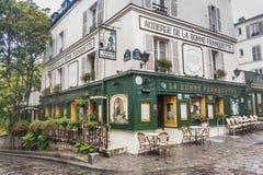 Auberge de la Bonne Franquette restaurang, Paris Frankrike Arkivfoto