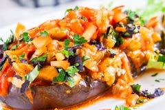 Aubergine bourrée avec Fried Vegetables Photo libre de droits