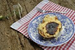 Aubergine bourrée du fromage fondu Photographie stock libre de droits