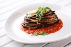 Aubergine cuite au four avec le parmesan Photo stock
