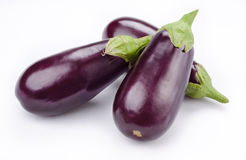 Aubergine (eggplant) isolated on white Royalty Free Stock Photos