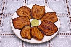 Aubergine frite, nourriture libanaise. Photographie stock libre de droits