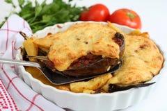 Aubergines avec de la viande et le bechamel Photographie stock libre de droits