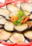 Aubergines coupées en tranches et frites en gros plan Photos libres de droits