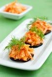 Aubergines die met wortel worden bedekt Royalty-vrije Stock Fotografie