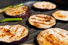 Aubergines et asperge grillées Image stock