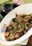 Aubergines frites avec des champignons de couche Photo libre de droits