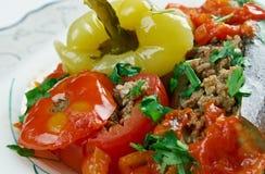 Aubergines, poivrons et tomates bourrés Photo libre de droits