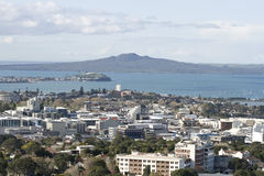 Auckland City & Rangitoto Isl. Royalty Free Stock Photography