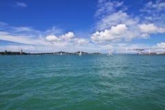 Auckland is een mooie stad in Nieuw Zeeland royalty-vrije stock afbeeldingen