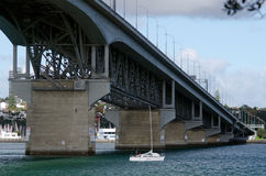 Auckland-Hafen-Brücke Lizenzfreies Stockfoto