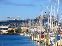 Auckland-Hafen-Brücke Stockfotografie