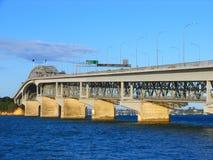 Auckland-Hafen-Brücke Lizenzfreie Stockfotos