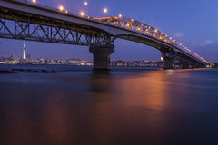 Auckland harbor bridge at night Royalty Free Stock Photography