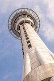 Auckland, la nouvelle Zélande 12 décembre 2013 La tour de ciel d'Auckland est Photographie stock libre de droits