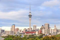 Auckland, la nouvelle Zélande 9 décembre 2013 La tour de ciel d'Auckland est t Photographie stock