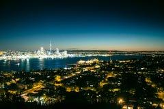 Auckland natt-scape Arkivfoton