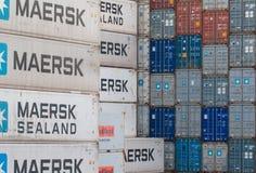AUCKLAND, NIEUW ZEELAND - APRIL 2, 2012: Stapel van containers op zee haven Stock Fotografie