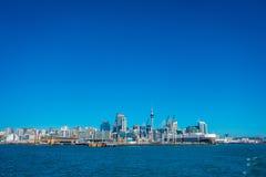 AUCKLAND, NIEUW ZEELAND 12 MEI, 2017: Mooie mening van het grootste en meest dichtbevolkte stedelijke gebied van Auckland, in stock afbeelding