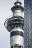 AUCKLAND, NOVA ZELÂNDIA - 24 DE NOVEMBRO DE 2014: 328 medidores (1.076 ft) de altura Imagem de Stock Royalty Free
