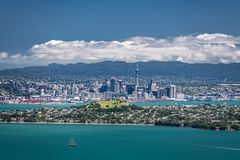 Auckland, Nuova Zelanda, vista dall'isola di Rangitoto fotografia stock