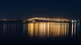 Auckland schronienia most przy nocą Fotografia Royalty Free