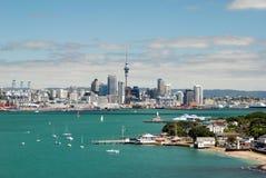 Auckland-Skyline. Neuseeland Lizenzfreie Stockfotos