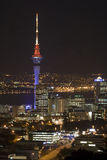 Auckland-Stadt u. Himmel-Kontrollturm an N Lizenzfreie Stockfotografie