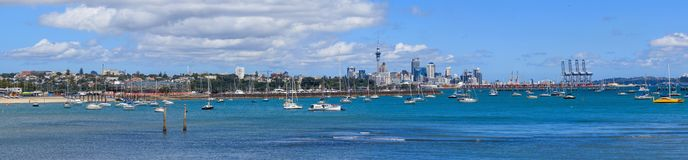 Auckland-Stadtskylinepanorama Lizenzfreie Stockbilder