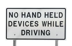 Aucun dispositifs tenus dans la main tout en conduisant images libres de droits
