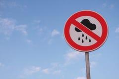 Aucun signe de route de pleuvoir ou de mauvais temps Image stock