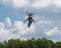 Aucune mains ou pieds de saut de Moto Photographie stock libre de droits