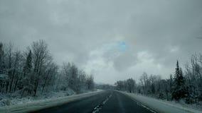 Aucune matière le temps, là n'est toujours ciel bleu au-dessus des nuages Photo libre de droits