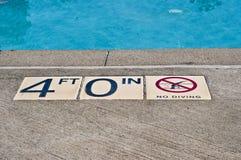 Aucune plongée avec 4 pi d'eau Images libres de droits